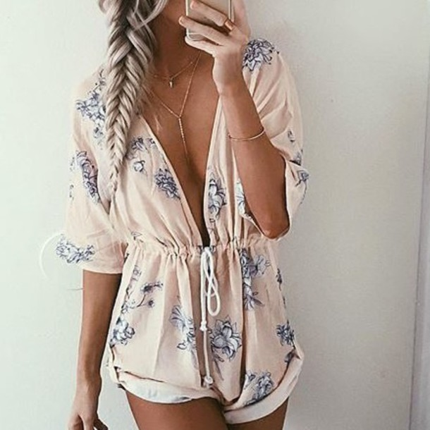 romper jumpsuit summer flowers musthave lowcut pink floral romper rose pink dress shorts floral romper short floral pastel long sleeves deep v plunge v neck blue white pattern lace cute girly summer outfits long sleeve romper baby pink light grey flowers low cut cinched waist long sleeves drawstring waist light pink