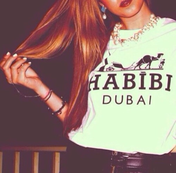 shirt habibbi dubai original hott t-shirt homies gold chain t-shirt habibi arabic dubai white black red lipstick blonde hair habibi dubai