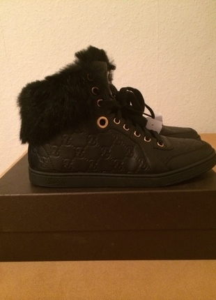 Gucci Fell Leder Sneakers Gr. 37,5 Schwarz Black NEU - kleiderkreisel.de