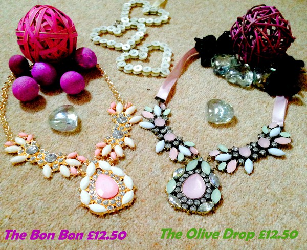 jewels necklace summer outfits summer dress diamonds green pink pink dress