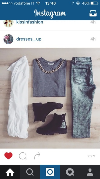 sweater chelsea boots jeans acid wash fall outfits
