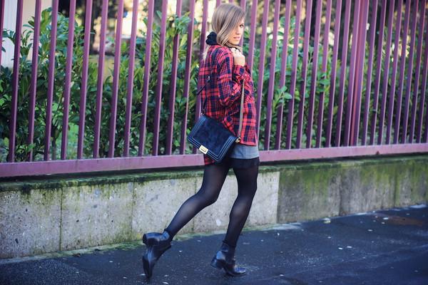 fashion quite shirt skirt t-shirt scarf shoes