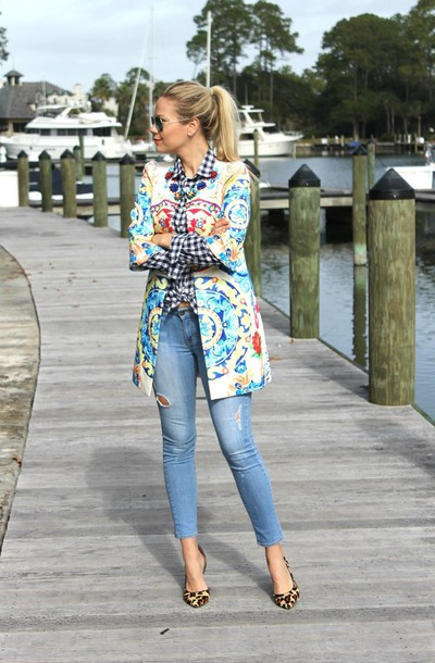 b soup blogger coat sunglasses jeans ponytail pattern
