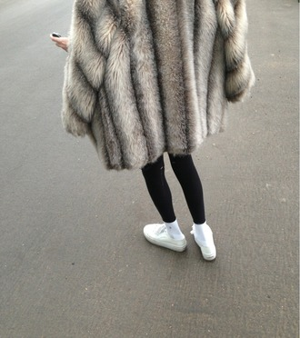 coat furr fur faux fur tumblr blig blogger fur coat classy beige stripes cream white brown coat fluffy jacket winter sweater winter coat winter jacket warm grey sweater tumblr outfit grey coat long coat oversized