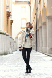 district of chic,blogger,gloves,shearling jacket,tartan scarf,jacket,scarf,sweater,shoes,knitted gloves,white jacket,shearling,white sweater,jeans,black jeans,skinny jeans,biker boots,black boots,boots,flat boots,winter outfits,winter look