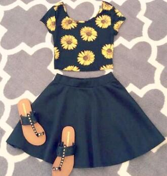 top floral top floral crop top skater skirt black skirt crop tops circle skirt earphones skirt