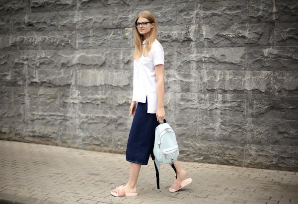white rabbit dreams blogger shirt shoes
