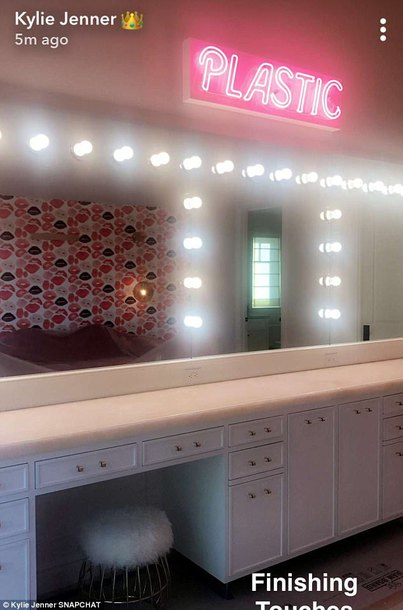 home accessory desk mirror led lights kylie jenner
