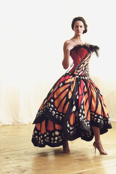 Бабочка с платьем