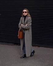 bag,handbag,basket bag,coat,long coat,shoes,jeans,turtleneck,earrings,sunglasses