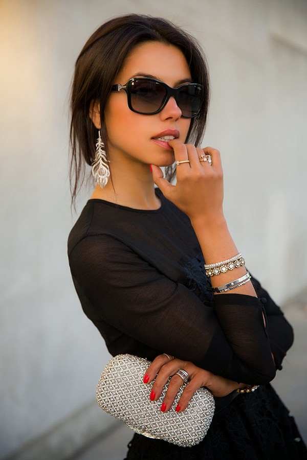 viva luxury jewels dress bag belt shoes sunglasses nail polish jewelry bracelets stacked bracelets silver jewelry black lace dress little black dress black shoes black dress