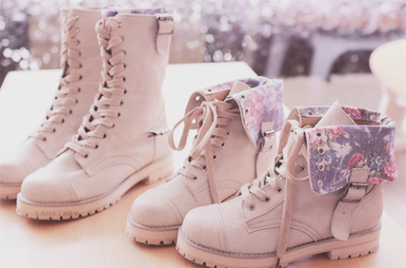 shoes boots beige shoes flowers print combat boots floral fashion beautiful flowers cute asian girl kfashion pretty ulzzang vintage korean style korean fashion winter boots flower boot lace up winter pink