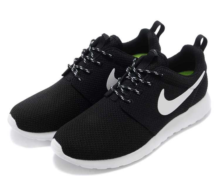 Nike Roshe Black With White And Black Laces  5e0c4ae0f