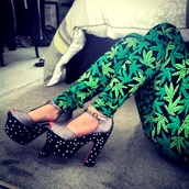 pants,leggings,green,marijuana,weed,smoking,leaves,posh'd boutique,streetstyle,high heels,black,print,skinny pants