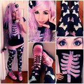 jeans,leggings,bows,eyeball,pastel goth,pastel,t-shirt,shoes,blouse,tights,creepy cute,eyeball bow tights,creepers,harajuku,creepy kawaii,shirt