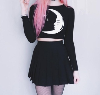 top crop tops crop cropped black black top black crop top sweater grunge grunge t-shirt grunge top indie tumblr tumblr girl pastel pastel goth goth white white top moon stars space hipster boho chic kawaii cute cute top long sleeves long sleeve crop top kawaii grunge kawaii dark