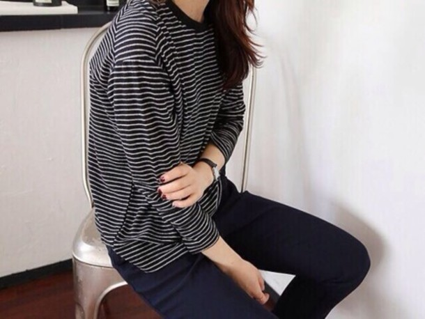 t-shirt sweater black and white jumper stripes black white black and white stripes stripes hipster grunge top