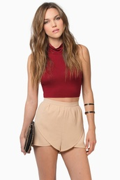 shorts,hhhh,tank top,clothes,red,crop tops,top,High waisted shorts,beige,fashion