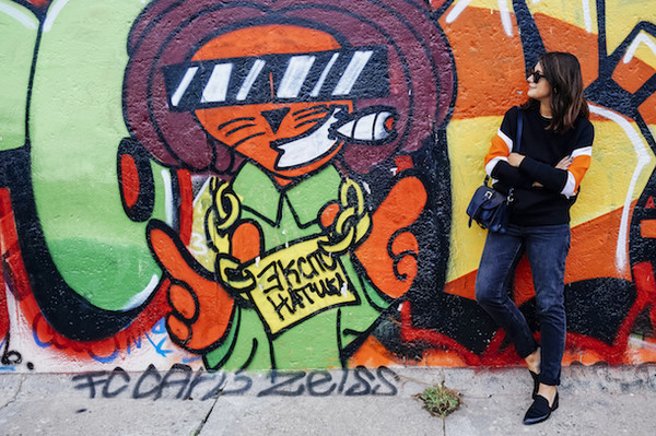 chicityfashion blogger jeans sunglasses bag jewels