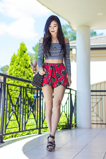 metallic paws blogger shorts stripes off the shoulder crop tops summer outfits top shoes bag striped off shoulder top long sleeves printed shorts polka dots off the shoulder top sandals black sandals wedges wedge sandals necklace jewels accessories