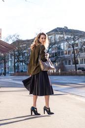 fashion gamble,blogger,pleated skirt,black heels,oversized,shirt,blouse,skirt,shoes,bag