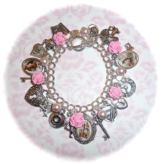 Vintage inspired charm bracelet alice in wonderland par bijouxattic