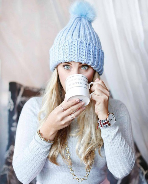 hat tumblr beanie pom pom beanie ring gold ring jewels jewelry gold jewelry  sweater white sweater cc401bf6395