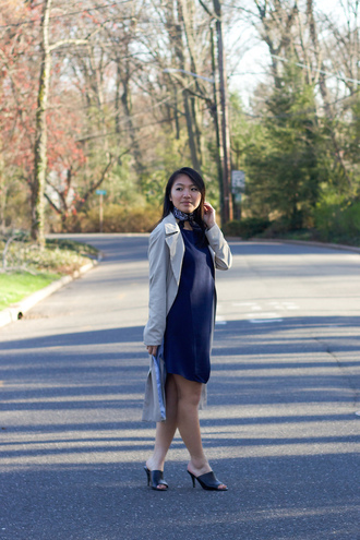 looks by lau blogger dress coat scarf shoes