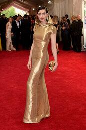 dress,gown,gold,maxi dress,anne hathaway,met gala,red carpet dress,metgala2015,Hooded dress,met gala 2015