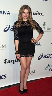 red carpet look,little black dress,lace dress,ashley benson,pretty little liars,hanna marin