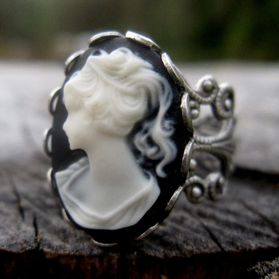 Lady Cameo Ring by ragtrader on Etsy
