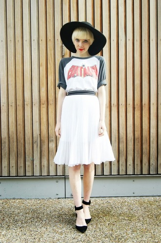 stella's wardrobe blogger midi skirt cartoon marvel t-shirt hat top jacket skirt shoes