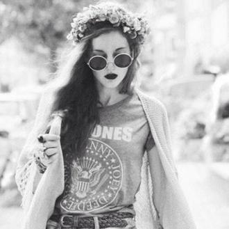 sunglasses grey t-shirt floral boho bohemian hat cardigan
