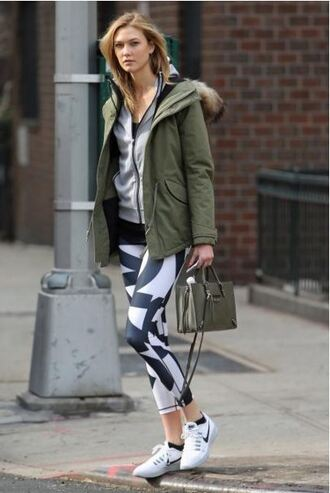 leggings sneakers karlie kloss jacket