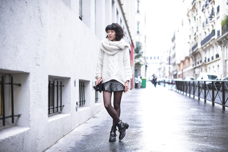 le dressing de leeloo blogger winter sweater balenciaga cut out ankle boots