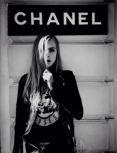 black shirt leather jacket jacket black jacket white skull cara delevigne cara delevigne tshirt leather