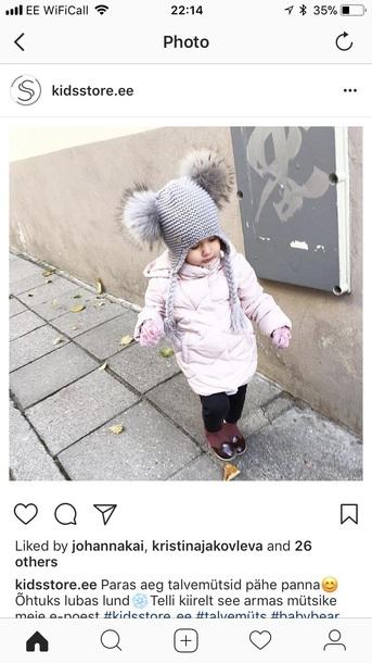 hat pom poms grey