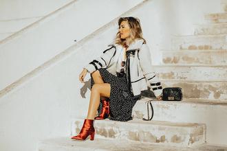 mi aventura con la moda blogger skirt blouse jacket shoes scarf