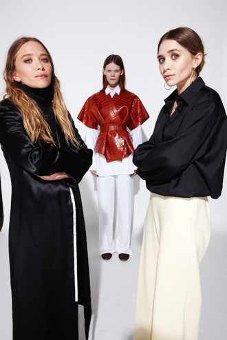coat pants robe mary kate olsen ashley olsen olsen sisters blouse turtleneck