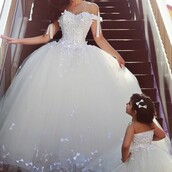 dress,pretty,af,really pretty,wedding dress,lace dress,homecoming dress,prom dress,long prom dress,prom gown,white dress,ball gown dress