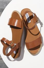 shoes,steve madden,sandals,flat sandals,brown sandals,summer,brown shoes,summer shoes,leather sandals,strappy sandals