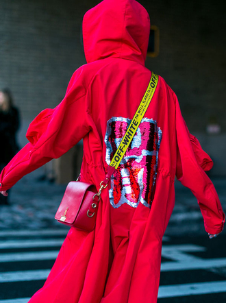 coat nyfw 2017 fashion week 2017 fashion week streetstyle red coat embellished sequins bag red bag all red wishlist crossbody bag monochrome outfit