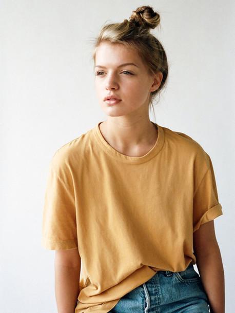 le fashion blogger t-shirt bun
