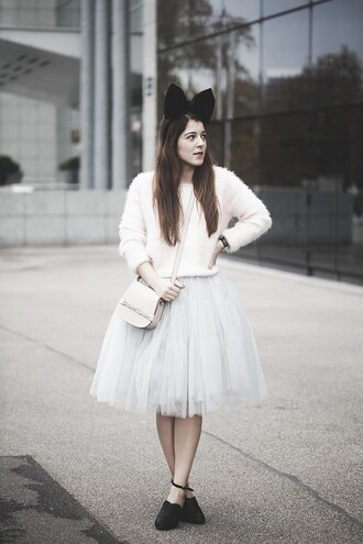 blogger elodie in paris bag fuzzy sweater tulle skirt