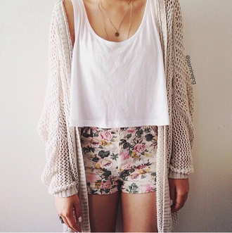 shorts summer floral shorts top tank top cardigan summer outfits necklace jacket jewels