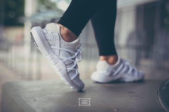 shoes white nike running shoes workout athletic all white everything girl nike running shoes huarache white sneakers