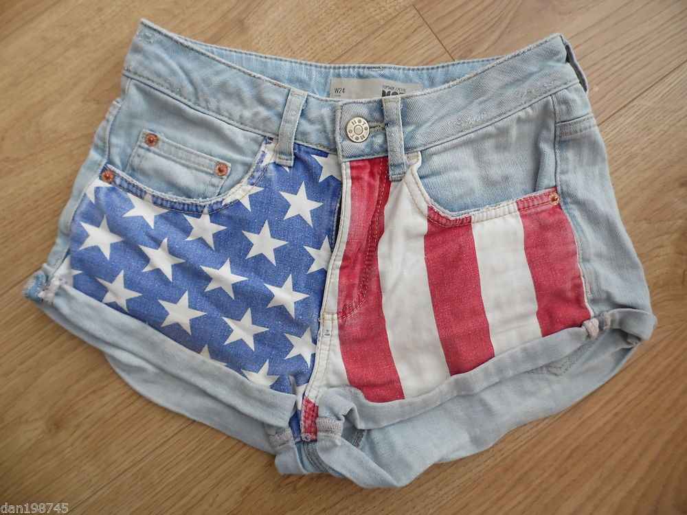 TOPSHOP Moto Petite Lightwash Denim American Flag High Waist Shorts W24"