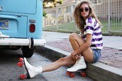 the blonde salad,blogger,t-shirt,sunglasses,sequins,stripes,denim shorts,summer outfits