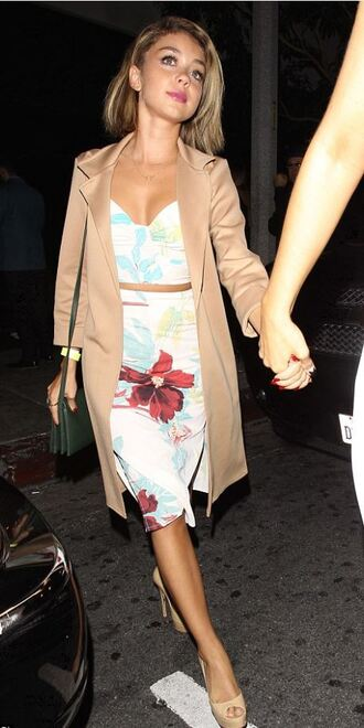 top skirt pencil skirt two-piece summer outfits sarah hyland coat jacket flowers