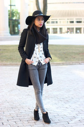 loso fancy,blogger,hat,scarf,jewels,skinny jeans,grey jeans,black coat,infinity scarf,winter outfits,coat,shirt,jeans,shoes,bag,college